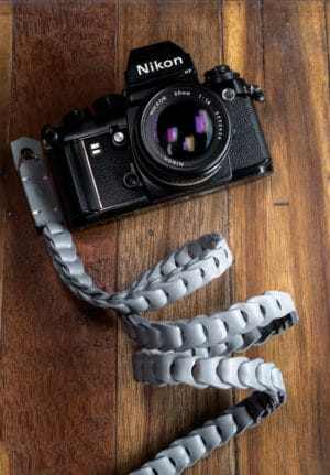 สายคล้องกล้องหนัง Nishikawa สีเทา Grey S784