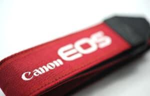 สายคล้องกล้อง Canon สีแดง EOS II ของแท้ (Original)