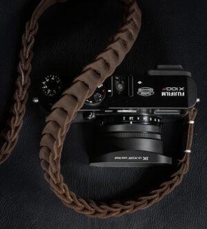 สายคล้องกล้องหนัง Nishikawa Cigar Brown S784