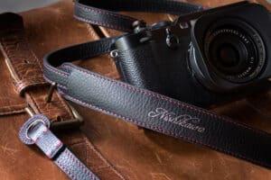 สายคล้องกล้อง Nishikawa Deluxe Black S749
