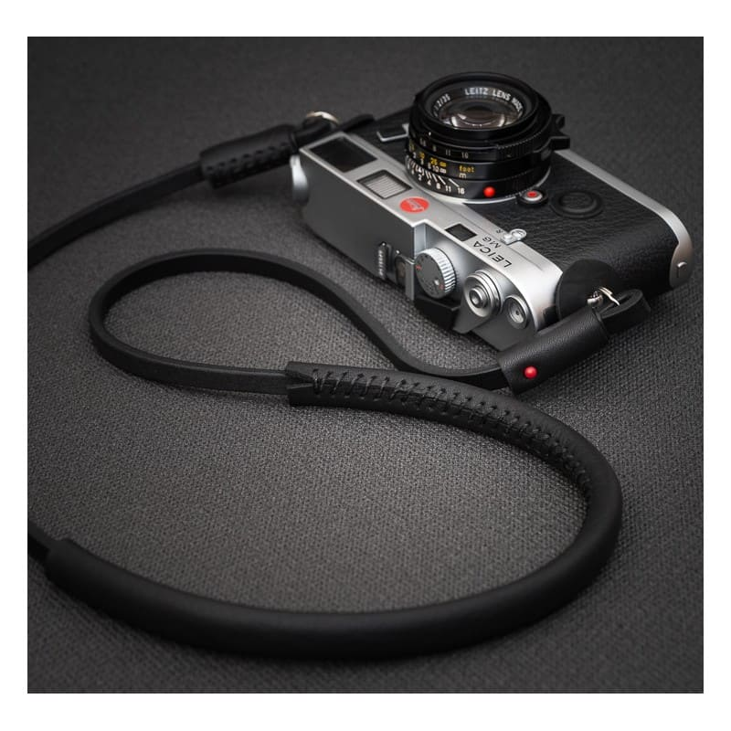 สายคล้องกล้อง DeadCameras Black Slim Strap