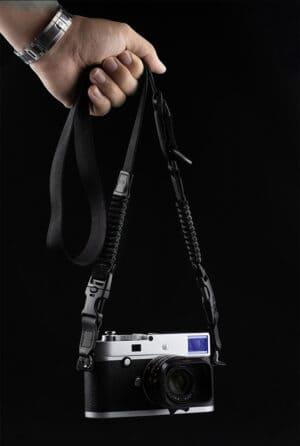 สายคล้องคอกล้อง Cam-in สีดำ ขนาดเล็ก ปรับความยาวได้