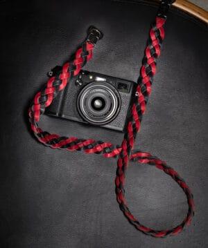 สายคล้องกล้อง Nishikawa S874 Black-Red