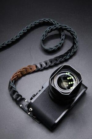 สายคล้องกล้องหนัง Nishikawa สีดำน้ำตาล S784