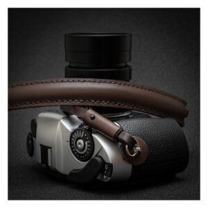สายคล้องกล้อง DeadCameras Brown M Strap