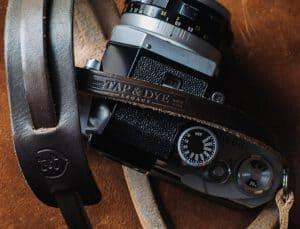 สายคล้องกล้องหนัง TAP&DYE Legacy Brown
