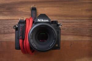 สายคล้องกล้องเชือก Lance Classic Red สีแดง 36 นิ้ว