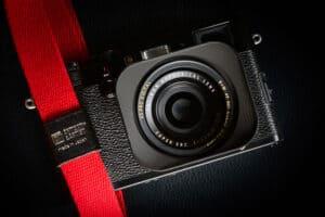 สายคล้องกล้อง Artisan&Artist ACAM-100A สีแดง