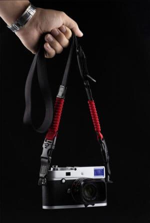 สายคล้องคอกล้อง Cam-in สีแดง ขนาดเล็ก ปรับความยาวได้