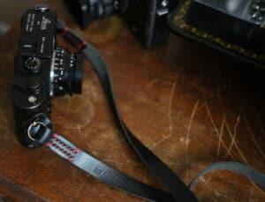 สายคล้องกล้อง TAP & DYE