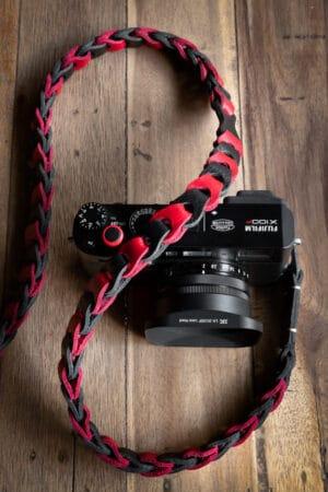 สายคล้องกล้องหนัง Nishikawa สีแดงดำ Red-Black S784