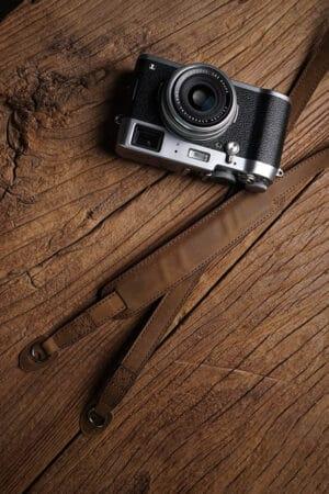 สายคล้องกล้องหนัง Mr.Stone Vintage Brown มีที่รองบ่า