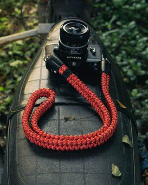 สายคล้องกล้อง Small Liberty Red White Large