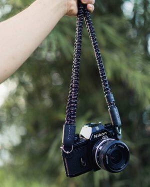 สายคล้องกล้อง Small Liberty Digital Black Large
