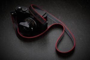 สายคล้องกล้อง Next Richardson Black