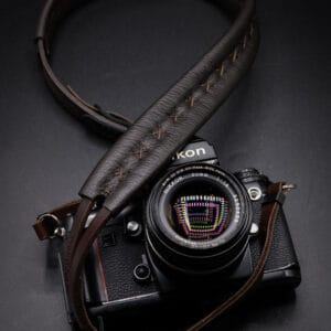 DeadCameras XL Leather Strap Brown สายคล้องกล้องหนังแท้ สีน้ำตาล Leica SL2 SL