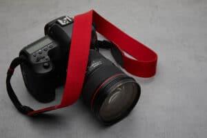 สายคล้องกล้อง Next Beaton Burgundy