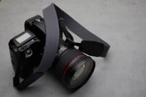 สายคล้องกล้อง Next Beaton Gray
