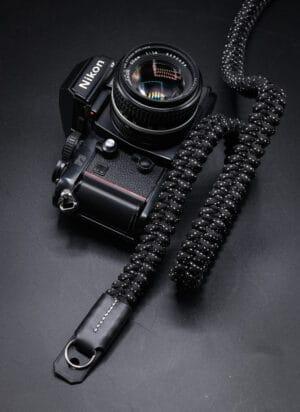 สายคล้องกล้อง Small Liberty Black White Large เส้นใหญ่