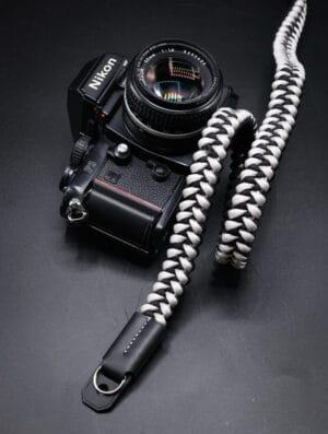สายคล้องกล้อง Small Liberty Platinum Black Large เส้นใหญ่