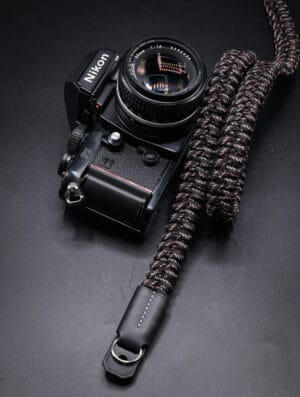 สายคล้องกล้อง Small Liberty Digital Black Large เส้นใหญ่