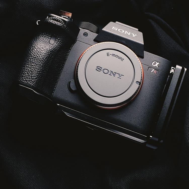 L-Plate Sony A7SIII A7RIV A9II