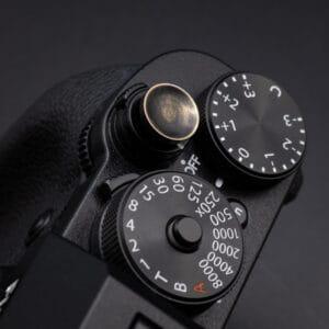 ปุ่มกล้องทองเหลืองรมดำ Vintage Brass Soft Release Button แบบบาง