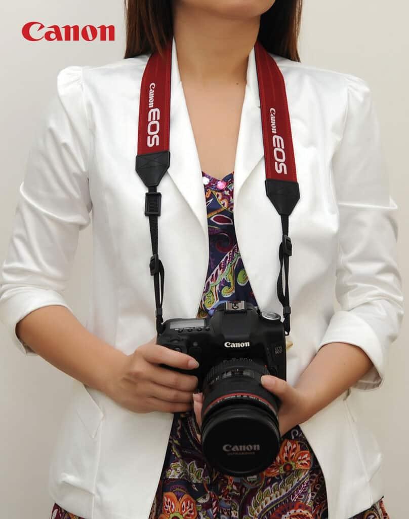 สายคล้องกล้อง Canon Original