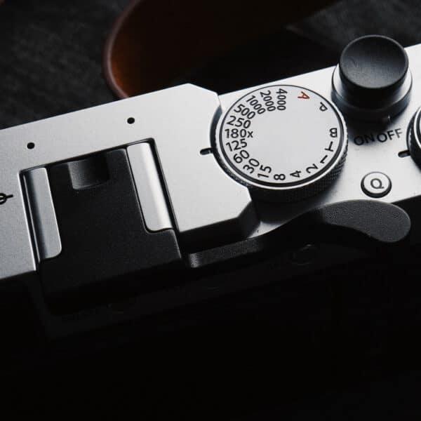 ที่พักนิ้ว Thumb Rest for Fuji XE4 สีดำ