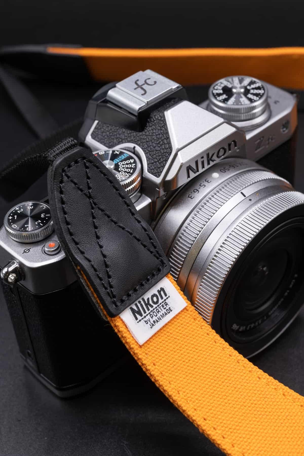 สายคล้องกล้อง Nikon x Porter