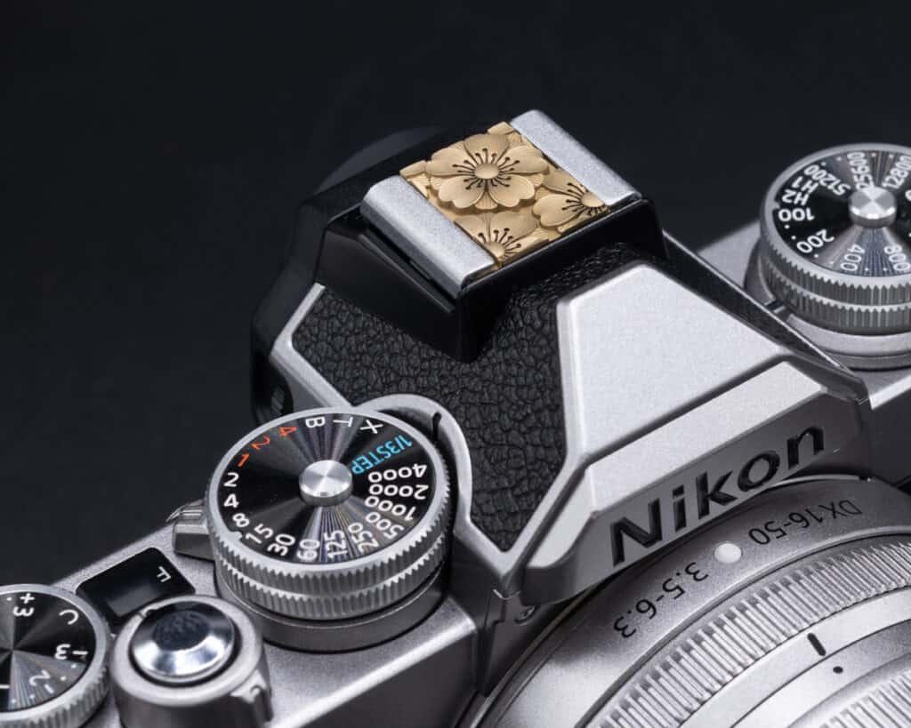 Hot Shoe Cover Flower Brass ปิดช่องแฟลช ทองเหลือง สีทอง Leica Q2 Q QP SL2S SL2 SL M10 M10P M10R Nikon Zfc
