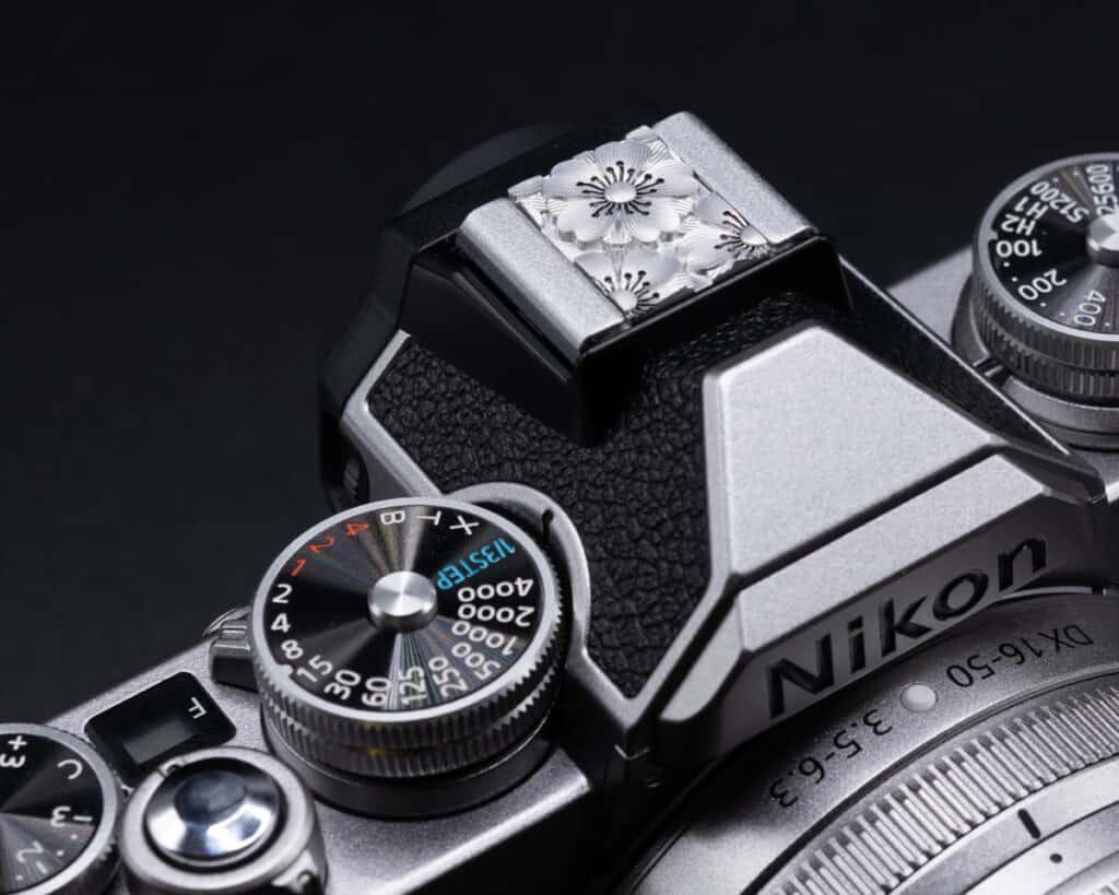Hot Shoe Cover Flower ปิดช่องแฟลช สีเงิน Leica Q2 Q QP SL2S SL2 SL M10 M10P M10R Nikon Zfc