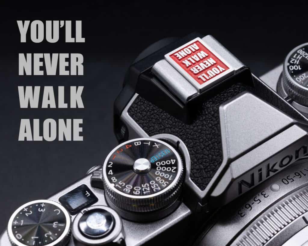 Hot Shoe Cover ตัวปิดช่องแฟลช You'll never walk alone สีแดง