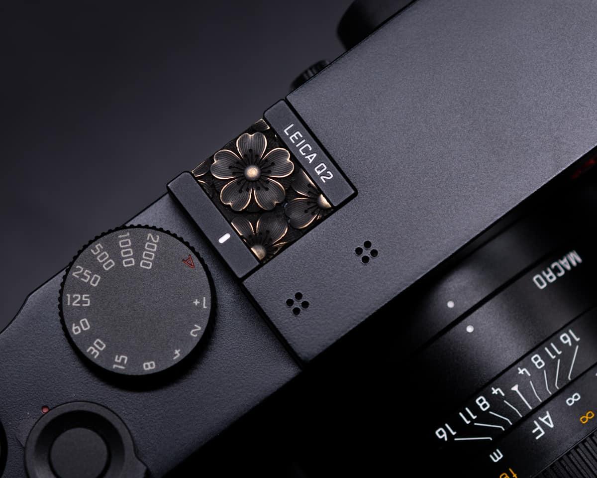 Hot Shoe Cover Flower Vintage Brass ปิดช่องแฟลช ทองเหลืองรมดำ Leica Q2 Q QP SL2S SL2 SL M10 M10P M10R Nikon Zfc